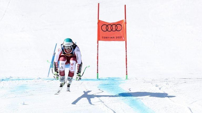 Австрийски триумф в коварното Супер-Г на СП в Кортина