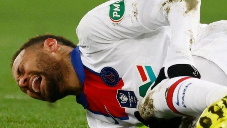 """""""Екип"""": Неймар пропуска мача с Барселона, не е сигурен и за реванша"""