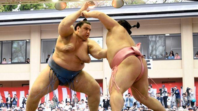 Даниел Иванов-Аоияма постигна втора поредна победа на Големия есенен турнир по сумо в Токио