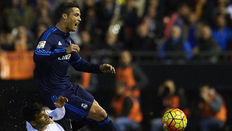 Реал Мадрид поиска две дузпи, имаше ли ги? (видео)