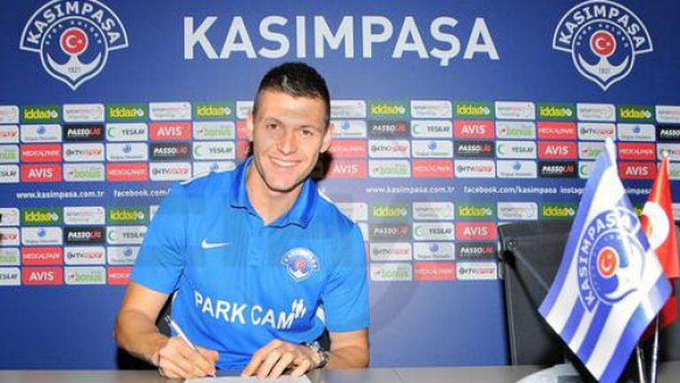 Разпродажбата продължава - капитанът на Литекс подписа с турски отбор