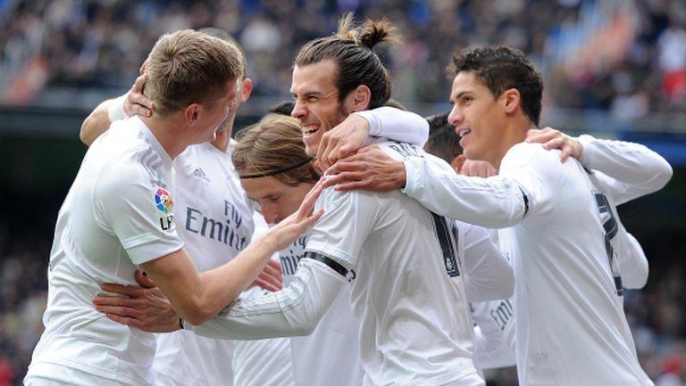 """Нова мощна победа на Реал Мадрид, двама от """"супермените"""" обаче паднаха контузени (видео + галерия)"""