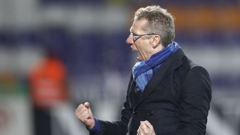 Кьолн продължи договора на треньора си