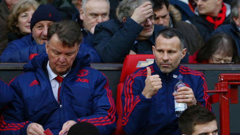 Босовете на Манчестър Юнайтед блокират януарските трансфери заради Ван Гаал