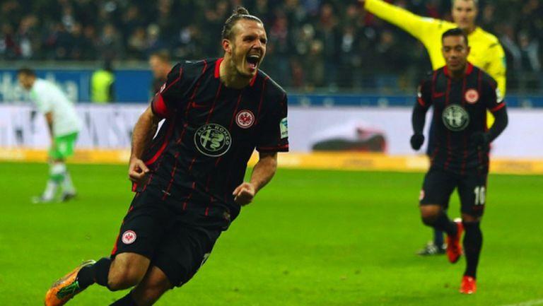 Волфсбург усети гнева на Футболния Бог (видео)