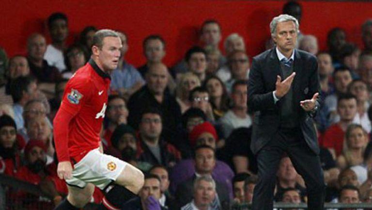 Моу би бил краткосрочно за Юнайтед, но специално за Рууни решение