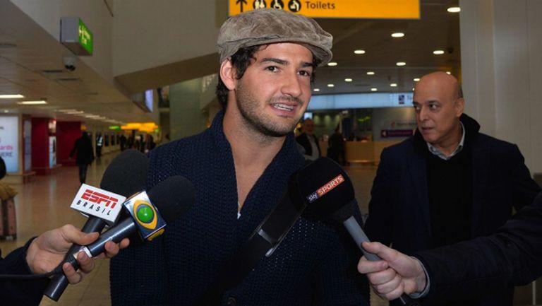 Един бразилец си замина, друг пристигна в Челси