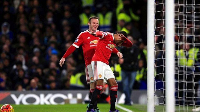 Гол в добавеното време остави Хидинк непобеден и отдалечи Юнайтед от челото (видео)
