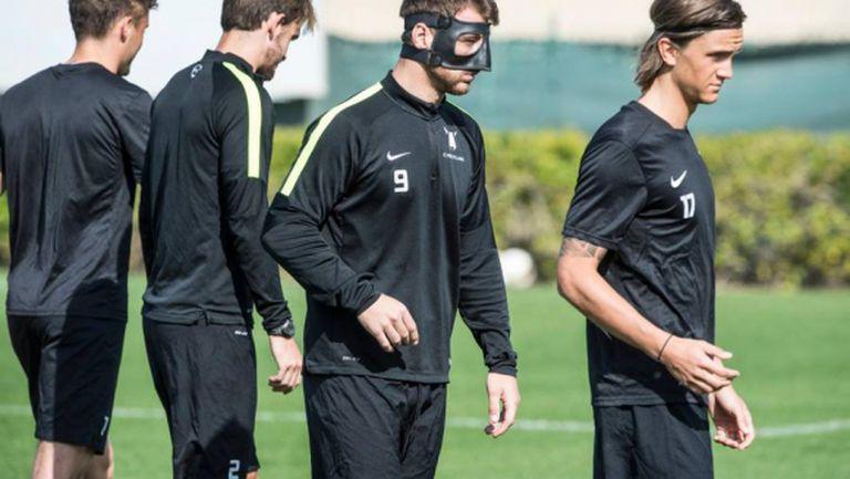 Николай Бодуров ще играе с маска на лицето срещу Манчестър Юнайтед (ВИДЕО)