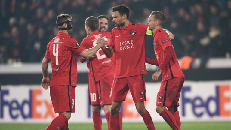Манчестър Юнайтед катастрофира в Дания, Бодуров с блестящ дебют (видео)