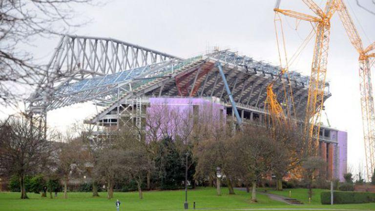 Ливърпул връща парите за строежа на новата трибуна с продажба на името