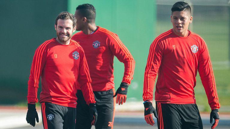 Смолинг и Де Хеа пропуснаха тренировката на Юнайтед, но Рохо и Валенсия се завърнаха