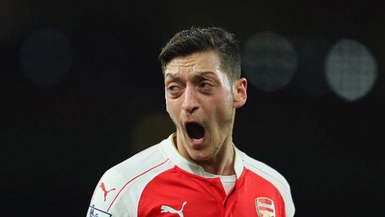 Арсенал не иска титлата, провали се срещу Суонзи (видео)