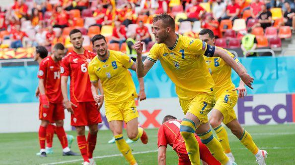 Ярмоленко проби отбранителния вал на Северна Македония в 29-та минута
