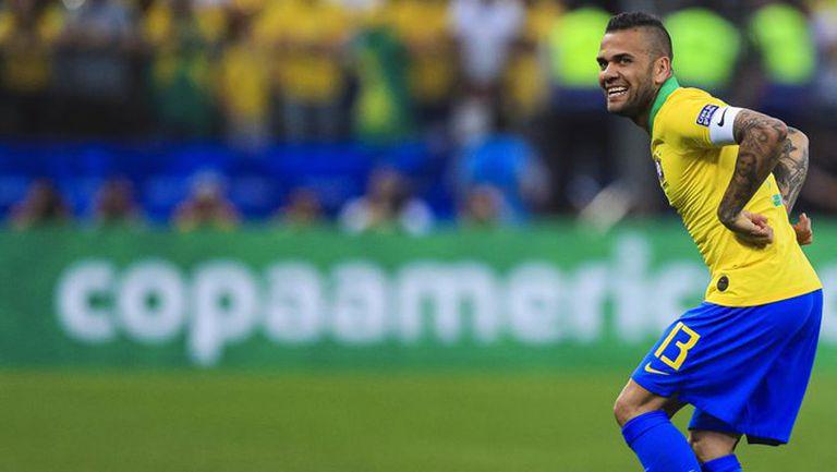 Дани Алвеш е в състава на Бразилия за Олимпиадата