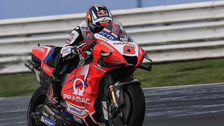 """Ducati окупира върха в мократа втора тренировка на """"Мизано"""""""