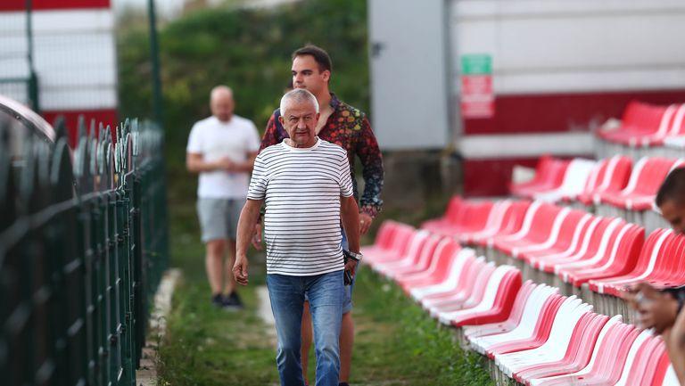 Крушарски проведе индивидуален разговор с Умарбаев преди мача с Царско село