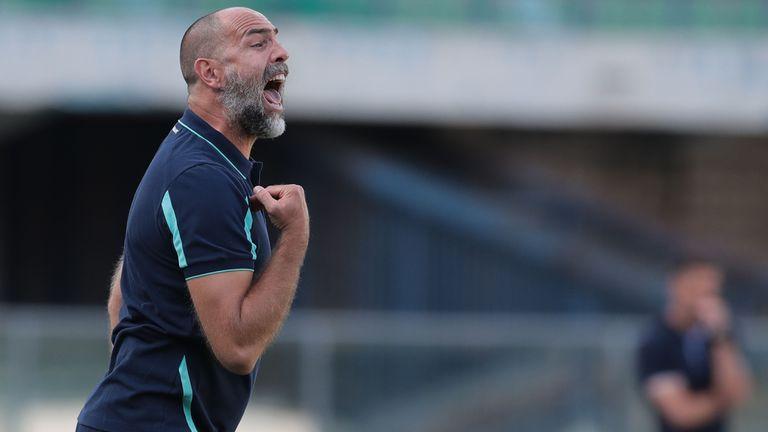 Треньорът на Верона: Сваляме шапка на Милан