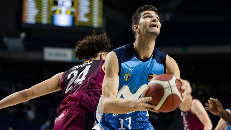 Стоилов и Естудиантес нанесоха трета загуба на Костадинов и Палмер