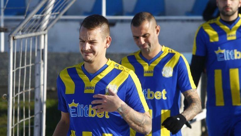 Севлиево и Янтра (Полски Тръмбеш) счупиха гредите за 0:0