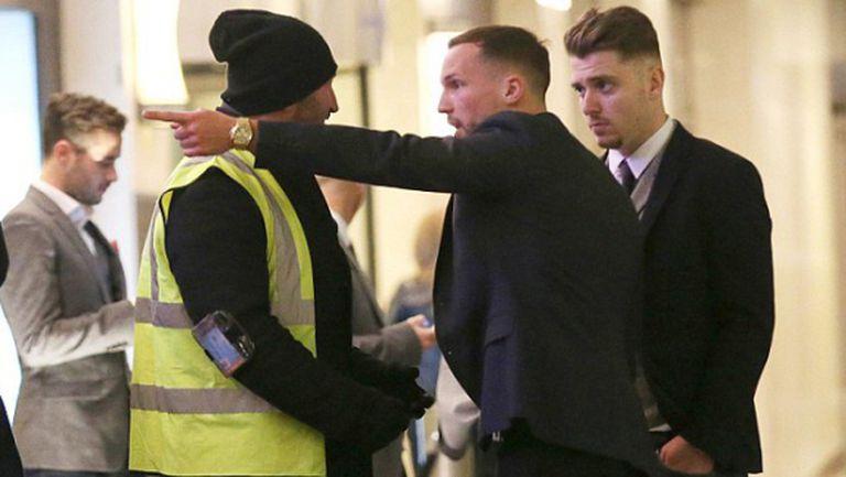 Не пуснаха футболисти на Лестър в лондонска дискотека, не били известни (снимки)