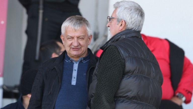 Собственикът на Локо Пд очаква повече от Иван Иванов