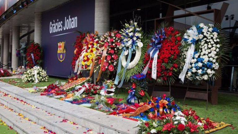 31 274 души отдадоха почит към Кройф