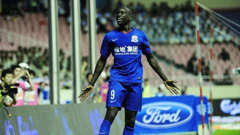 Демба Ба се разминал с Арсенал заради Моуриньо