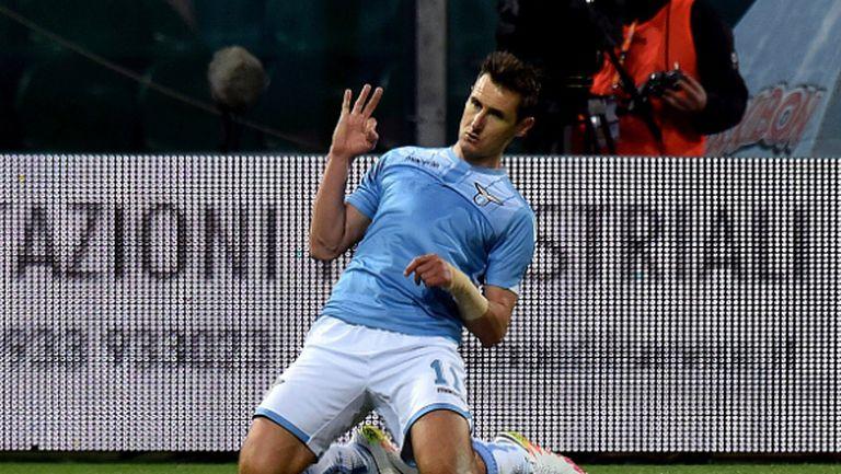 """Неостаряващият Клозе връчи на Палермо билета за Серия """"Б"""" (видео)"""