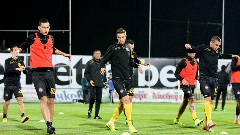 Едва 13 футболисти събра Ботев за тренировка