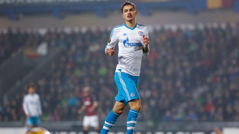 Защитник на Шалке 04 се отказва от германския си паспорт, за да играе за Русия