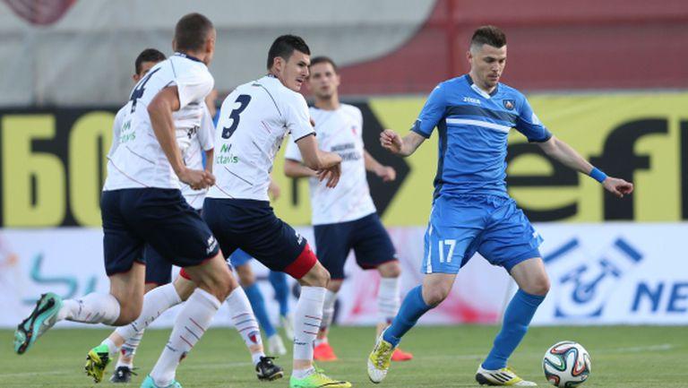 Левски стартира преговори с българските играчи