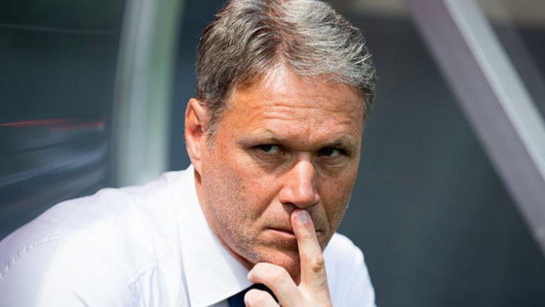 Ван Бастен: Ювентус трябва да спре Меси и Иниеста