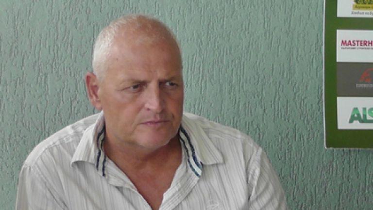 Валери Дамянов напуска Оборище, треньорът огорчен от клуба