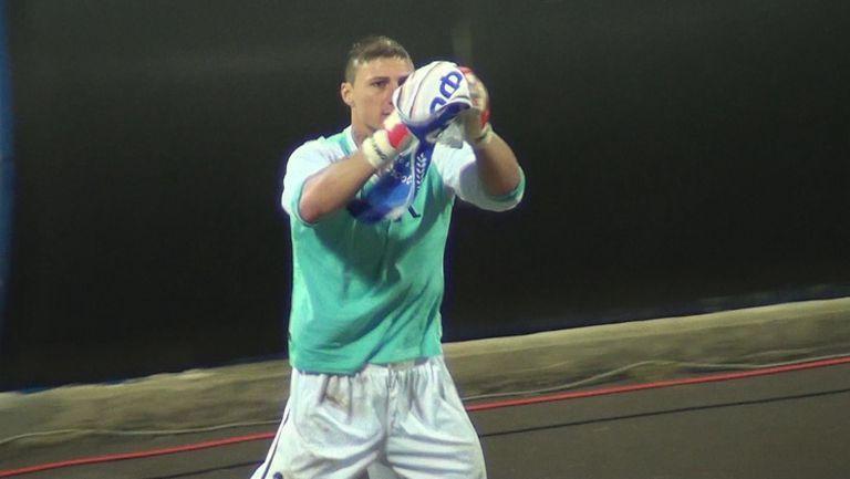 """Йоргачевич празнува с юбилейната фланелка пред Сектор """"Б"""""""