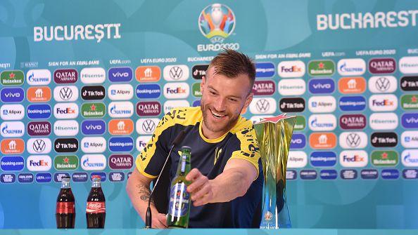 Ярмоленко се пошегува с Роналдо: Свържете се с мен!