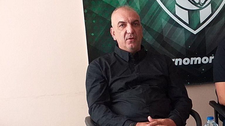 Има кандидати за треньорската позиция в Черно море Тича