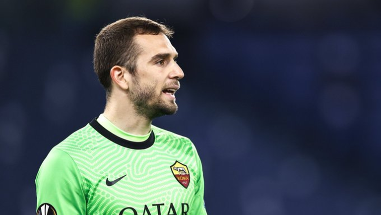 Рома потвърди раздялата с Пау Лопес