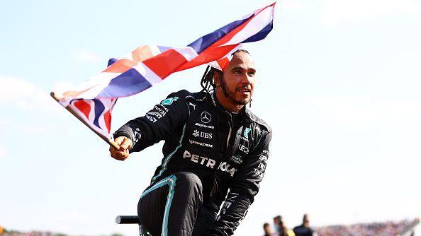 Хамилтън ликува пред родните фенове след драма в Гран При на Великобритания