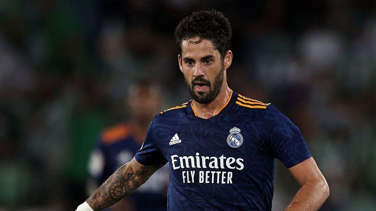 Реал Мадрид може да скъса договора на Иско