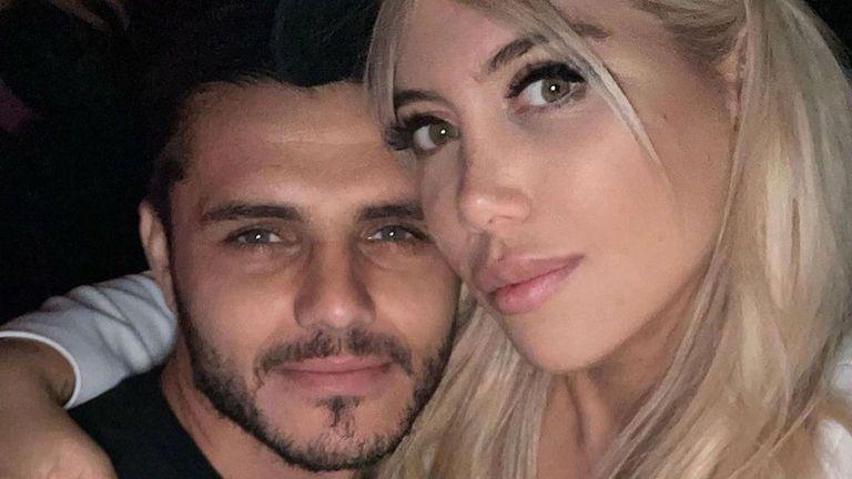 Икарди гушка Уанда в Милано, после тя свали пръстена