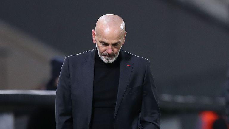 Хванаха треньора на Милан да псува след загубата