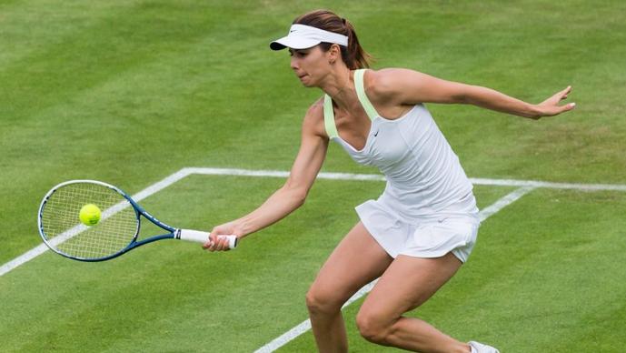 Цветана Пиронкова пропусна 7 мачбола, но все пак стартира с победа сезона си на трева