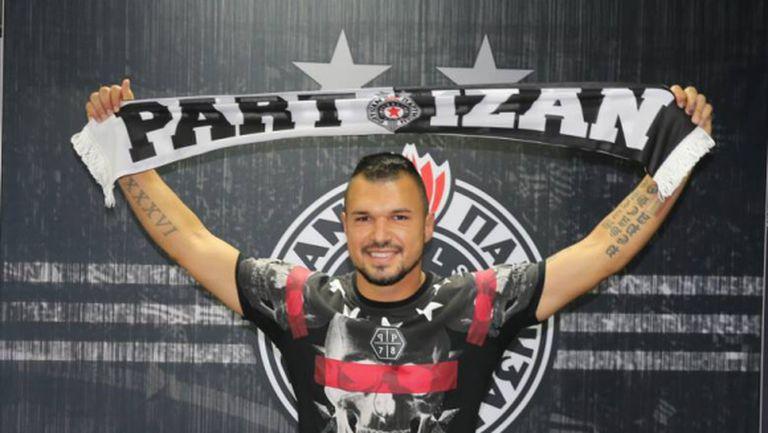 Божинов от Белград: Не пия, не пуша и не ходя по дискотеки