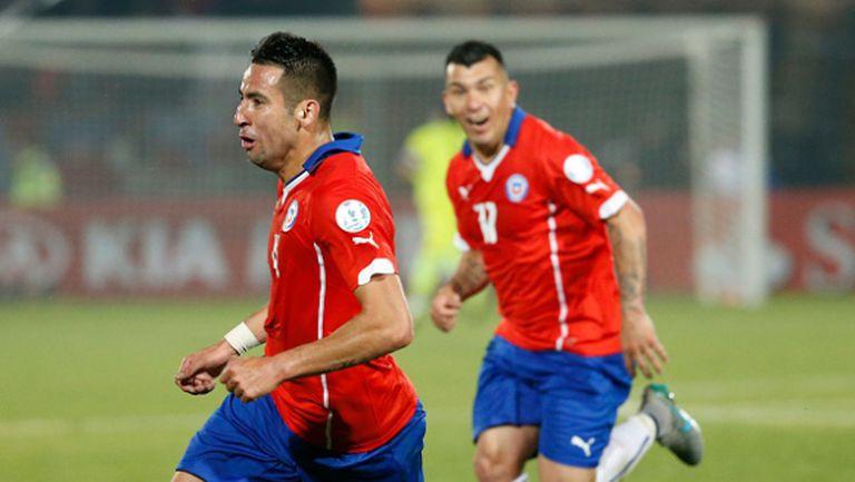 Чили отне короната на Уругвай в четвъртфинална корида
