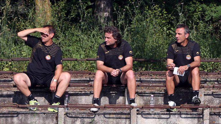 Нови шефове в Ботев, завършват стадиона