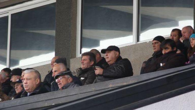 Атанас Узунов, Стефанов и Костадинов наблюдават Славия - Локо (Пд)