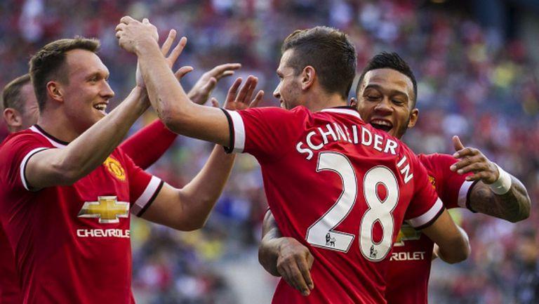 Юнайтед започна с победа, Шнайдерлин бележи в дебюта си (видео)