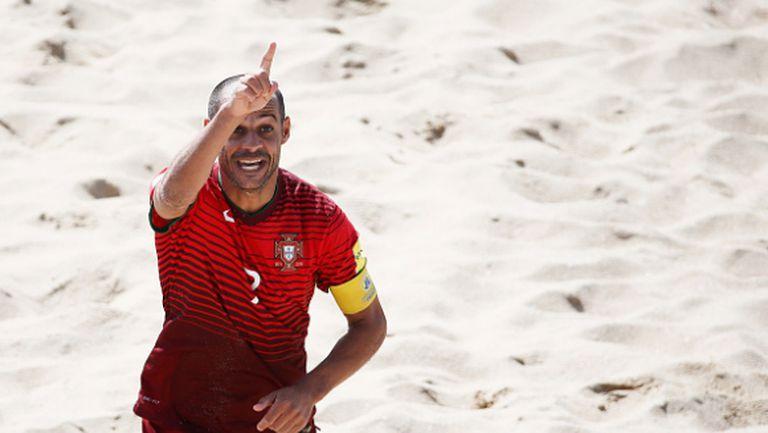 Звезда в плажния футбол напомни за легендарен гол на Зидан (видео)