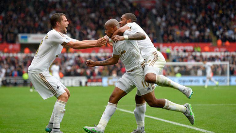Първа загуба за Юнайтед, Суонзи вече е кошмарът на Ван Гаал (видео)